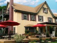 Pineapple Hill Inn Exterior