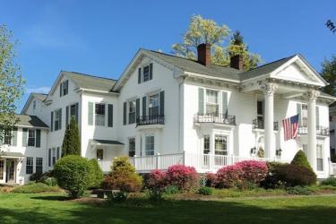 Rosemont Inn Exterior